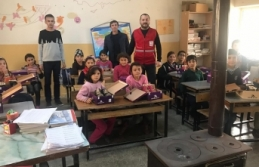 Karaman Kızılay Şubesi'nde İki Okula Yardım