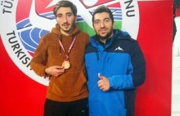 Yavuz Şalkacı'dan Bronz Madalya