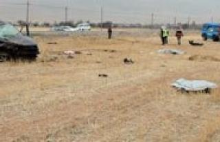 Trafik kazasinda 3 kisi öldü. 2 kisi yaralandi