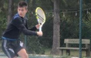 Karaman Olarak Tenis Bransi`nda Bir Ilke Imza Attik!......