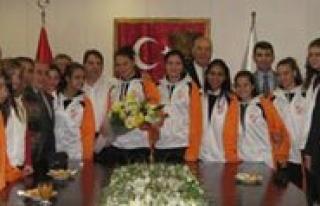 Esnaf Barisspor, Konak Belediyesinin Konugu Oldu