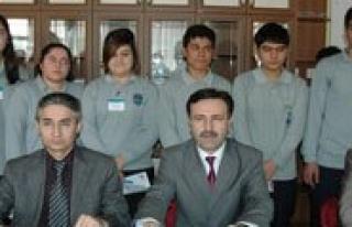 Karaman Lisesi`nin `Gönüllü Toplum Hizmeti` Projesi...