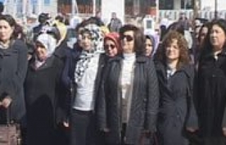 Kadinlar Günlerini Coskuyla Kutladi