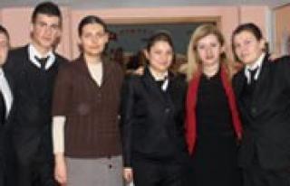 Otelcilik Ve Turizm Anadolu Meslek Lisesi Ögrencileri...