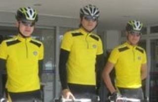 Belediye Spor Bisiklet Takimi Mersin'e Gitti