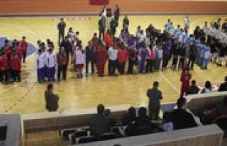 Okul Sporlari Basketbol Grup Müsabakalari Basladi