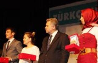 Yunus Emre Kompozisyon Yarismasi Ödülleri Sahiplerine...