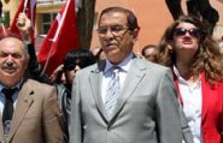 CHP ve Sivil Toplum Kuruluslari 19 Mayisi Kutladi...