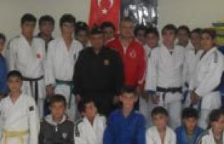 Judo Müsabakalari Yapildi