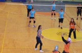 KMÜ Bahar Söleni Voleybol Yarismalarinda Final Günü