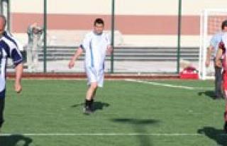 KMÜ'de Spor Sahasinin Açilis Maçi Yapildi