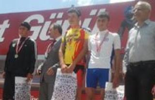 Belediye Spor Bisikletcisi Sahin Sampiyon Oldu