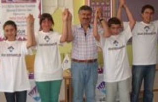 Ugur Dershanesinden Polis Koleji Basarisi!