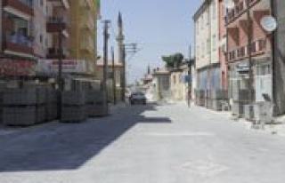 Eski Hükûmet Caddesi Parke Tasi Ile Kaplaniyor