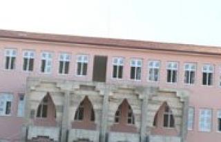 Sehit Ismail Erez Imam Hatip Ortaokuluna Ögrenci...