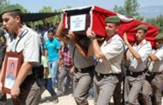 Jandarma Er Faruk Yilmaz Askeri Törenle Topraga Verildi