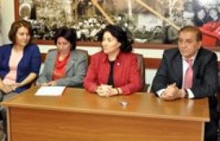 CHP Kadin Kollari Genel Baskani Dokuzcan, Karaman'da...