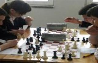 Satranç Yarismalari Basliyor