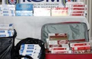 Yolcunun Valizinden 2 Bin 660 Paket Kaçak Sigara...