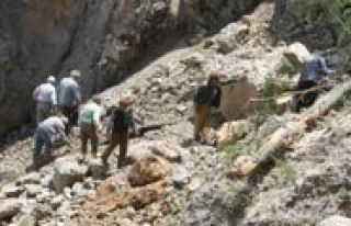 Dagdan Kopan Dev Kaya Köyü Susuz Birakti