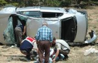 Otomobil Takla Atti: 1 Ölü, 5 Yarali