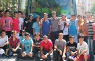 Karamanli Gençler 17. Akdeniz Oyunlarinin Açilisina...