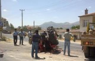 Zincirleme Trafik Kazasi: 1 Ölü, 4 Yarali