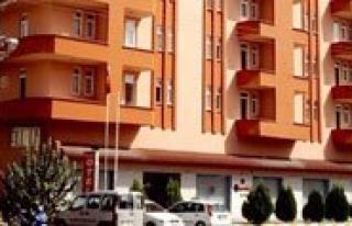 Bayrakçi Otel Açik Büfe Iftar Sofrasina Karamanlilari...