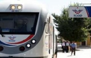 Trenlerin Karaman'dan Kalkis Saatlerini Biliyor...
