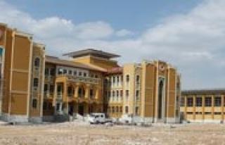 Ortaögretim Kampüsünde Okul Binalari Yükselmeye...