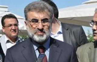 Enerji Ve Tabii Kaynaklar Bakani Taner Yildiz Karaman'a...