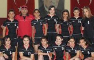 Okullar Arasi Gençler Hentbol Müsabakalari Basladi