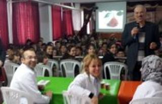 Yazar Bestami Yazgan Basari Kolejinde
