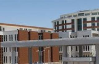 Yeni Hastaneye Bagislar Sürüyor