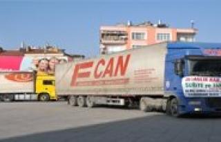 Karaman'dan Suriye'ye 5 Tir Dolusu Yardim
