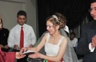 2013 Yilinda 1271 Çift Evlendi