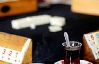 Kahveciler Odasi'nda Parmaksiz'la Devam