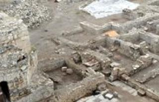 KMÜ'de Karaman Kalesi'ndeki Arkeolojik Buluntular...