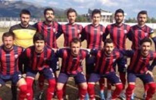 Karaman Belediyespor, 10 Kisilik Kozan'a Tek Golle...
