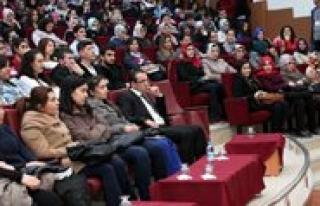 KMÜ'de 'Kisisel Markalasma Egitim Semineri'
