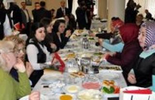 BYEGM Konya Il Müdürlügü Kadin Gazetecileri Kahvaltida...