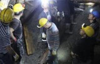 Maden Ocaginda Arama Kurtarma Çalismalari Sürüyor...