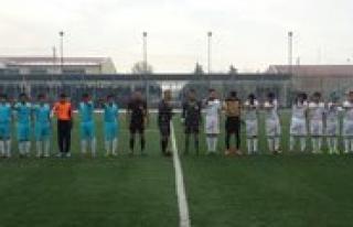 Okullararasi Gençler Futbol Müsabakalari Basladi