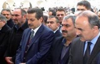 Vali Koca Bakan Çelik`le Konya'da Cenazeye Katildi...