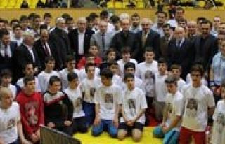 Genç Güresçiler Konya'dan Madalya Ile Döndü