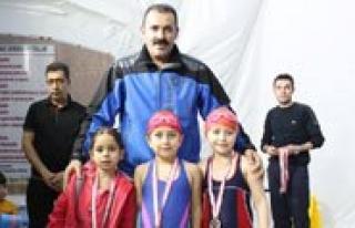 Karaman'da Yüzme Il Birinciligi Yarismalari Sona...