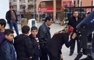 Karaman'da Vatandaslar Günes Tutulmasini Izledi...