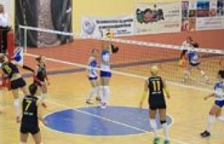 Bayanlar 3. Lig Voleybol Yari Final Müsabakalari...