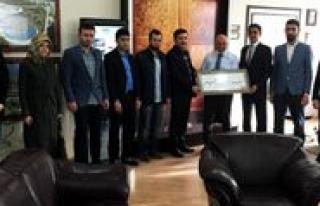 AK Parti Gençlik Kollarindan Baskan Çaliskan'a...