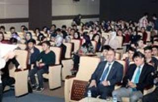 KMÜ'de Saglik Yöneticiligi Konferansi